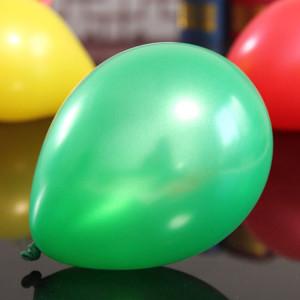 Metallic gröna ballonger 10 st per paket för dekoration och fest