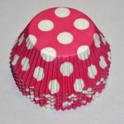 muffinsformar med stora prickar i vitt, dekoration till baby shower, dop o kalas.