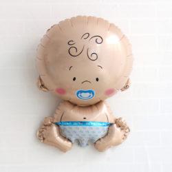 babyshower folieballong pojke passande som dekoration till baby shower eller dop fest