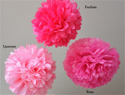 Ljusrosa Pom pom dekoration babyshower, jämför färg rosa ljusrosa fuchsia.
