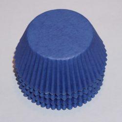 100 st blå muffinsformar, passande till babyshower, dop och kalas.