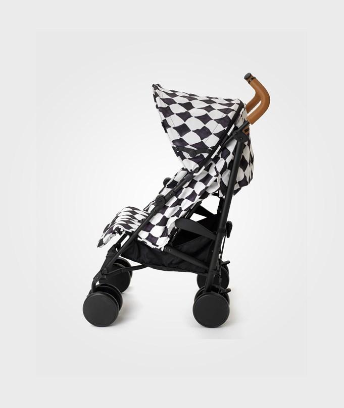sittvagn stockholm stroller fungerar som sulky eller resevagn.